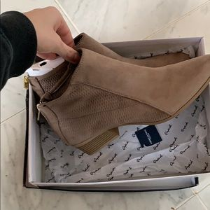 Quiped new in box booties